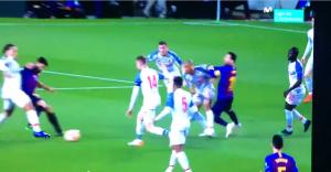 巴萨利物浦球迷推特互撕:梅西与法比尼奥拳打&肘击