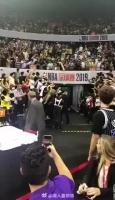 深圳站现场球迷再晒视频:开场上座率 还是满了