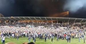 队史首次!芬兰球迷进场庆祝晋级欧洲杯正赛