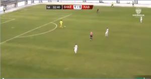 让你秀!马其顿联赛门将上演超级失误