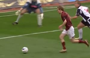 """14年前的今天,""""冰王子""""博格坎普攻入英超生涯最后一球"""