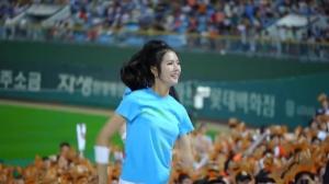 韩国拉拉队现场热情表演了解一下