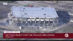 别了奥本山宫!曾经的活塞主场已于今日被爆破拆除