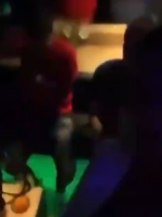 巴内加带妻子和朋友夜店狂欢 夜店12名工作人员确诊新冠