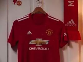 喜欢吗?曼联发布新赛季主场球衣