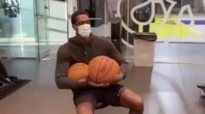 又想花式受伤?隆多玩三个球 上次因练拳受伤