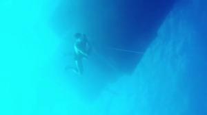 请叫我海神!C罗晒潜入14米深海视频