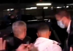 德斯特已经抵达巴塞罗那,周三接受巴萨体检