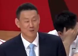 李禄瞳补篮得手打进在CBA的首球