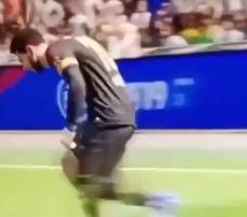 FIFA梅西当门将!这回跑姿势太魔性了