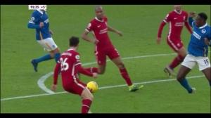 利物浦补时被点球扳平!VAR回放罗伯逊禁区犯规判罚点球