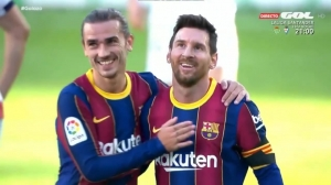 打破传言!格子进球&和梅西友好互动