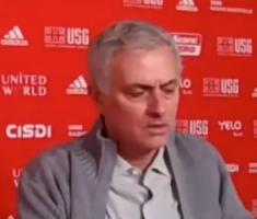 穆帅:球员踢得不好是他自己的责任,扭转局面也是他自己的功劳