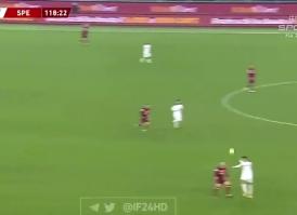 出其不意!对阵罗马,斯佩齐亚球员打入精彩吊射
