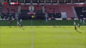 伯恩茅斯球员与沃特福德球员起冲突 威尔谢尔被红牌罚下