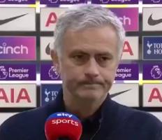 穆帅:我们很不幸,博格巴在第7分钟就该被红牌罚下