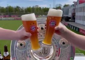 拜仁提前锁定本赛季德甲冠军,官推晒视频庆祝