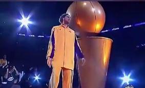 加索尔感觉像是来WWE打架的?09年总决赛湖人球员介绍