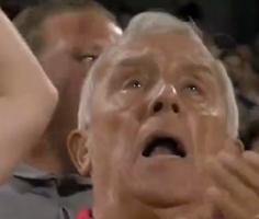 首秀取胜!布伦特福德老球迷看台上泪目