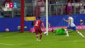 德甲-莱万戴帽穆勒传射 拜仁5-0大胜柏林赫塔
