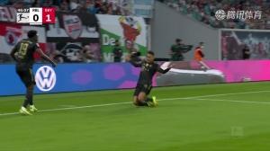 阿方索-戴维斯横传助攻 穆西亚拉停球抽射破门