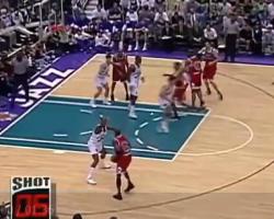 当年马龙与罗德曼的经典抱摔 让大家感受下90年代的肉搏篮球