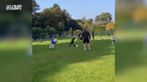 就决定4你了!阿森纳签下4岁英国足球神童